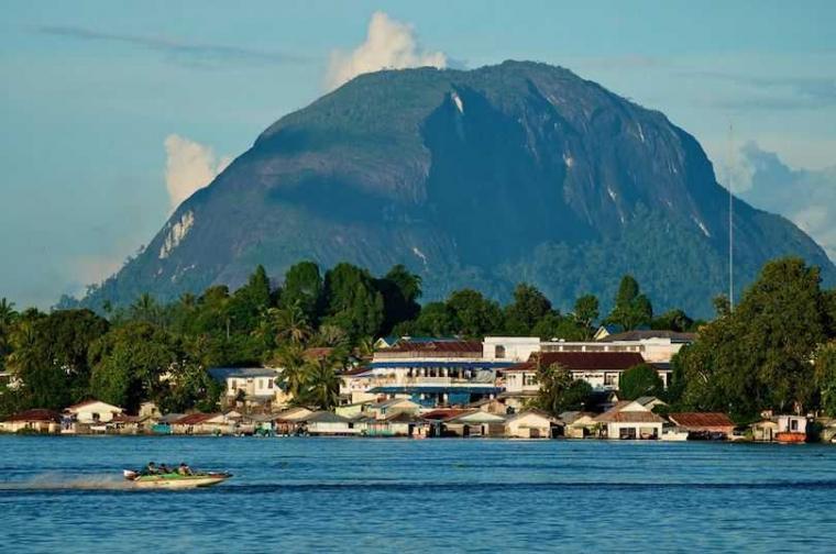 Bukit Kelam, Monolit Kaliber Dunia di Sintang, Kalimantan Barat