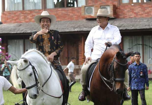 Mengkultuskan Jokowi dan Prabowo, Merusak Persatuan dan Kesatuan Bangsa