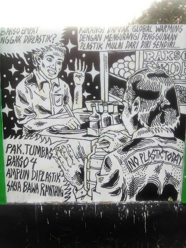 "Kajian Semiotika Mural ""No Plastic Today"""