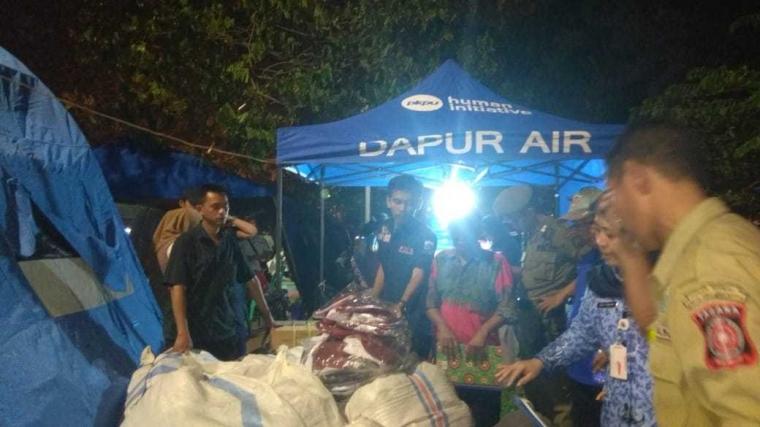 Dinsos Distribusikan Bantuan Korban Kebakaran Pondok Bambu dan Cipinang Muara