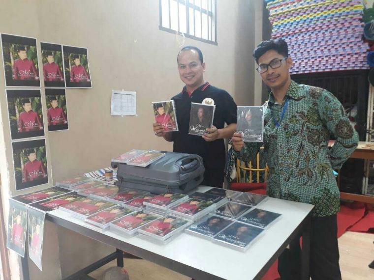 "Dari Malaysia, Guru Indonesia Ini Hasilkan ""Single"" Album"