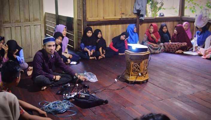 Asyiknya Bisa Buka bersama Anak-anak Kelompok Belajar Bentangor Kids