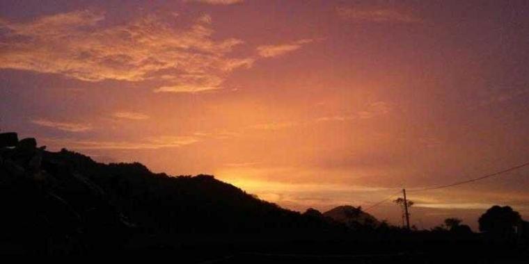 Puisi | Bahasa Senja kepada Malam