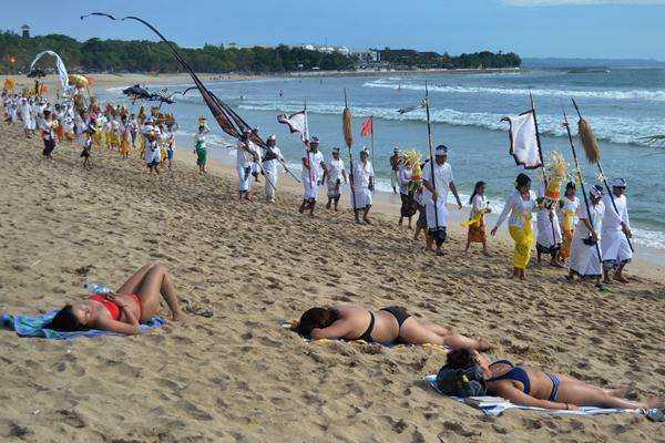 """Pariwisata, Menguji Kesiapan DTW """"Beyond Bali"""" dan """"Bali and The Beyond"""""""