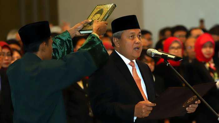 Pimpin Bank Indonesia, Perry Tancap Gas Kuatkan Nilai Rupiah