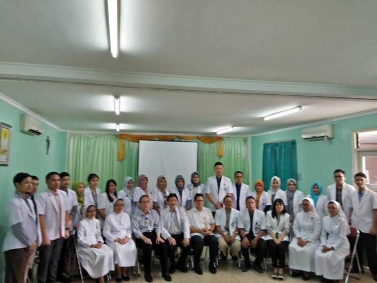 Perlunya Sosialisasi Revisi Sumpah Dokter Terbaru di Daerah Konflik