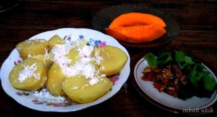 Lezatnya Kentang Krawu sebagai Makanan Pokok