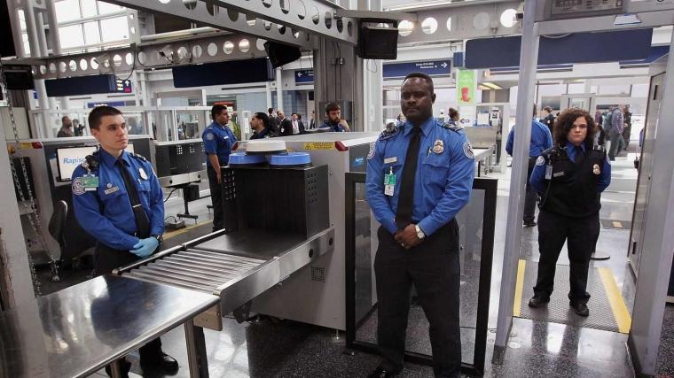 Lakukan 7 Hal Ini Supaya Pemeriksaan Keamanan di Bandara Tidak Merepotkan Anda