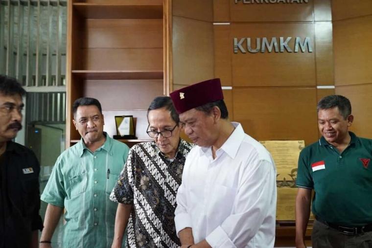 Bertemu Anton Charliyan, Dewan Koperasi Cianjur, Pasangan Hasanah Peduli Pengembangan UMKM
