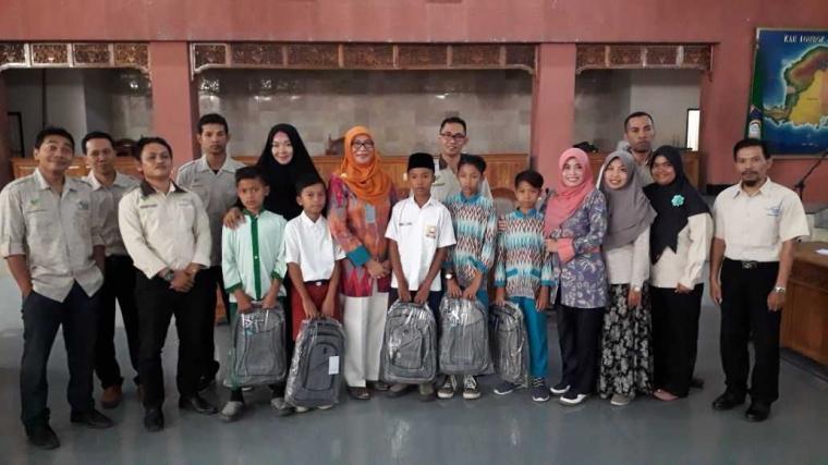 PKH Lombok Barat, Serahkan Santunan kepada 50 Anak Yatim