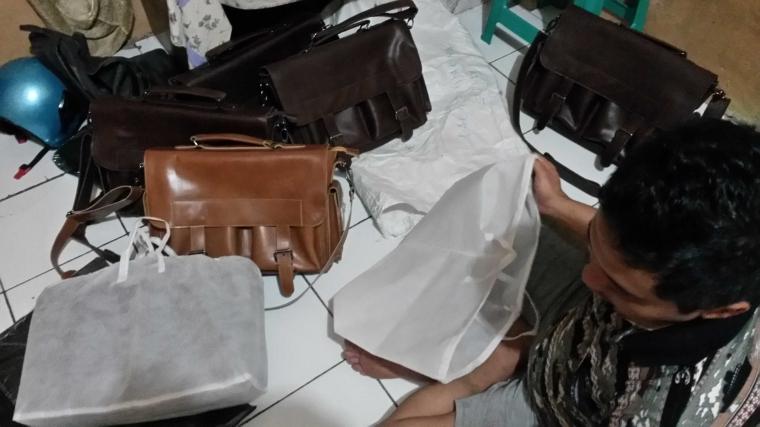 Mudahnya Jual Tas Laptop Kulit Pria di Kalangan Para Pekerja Kantoran