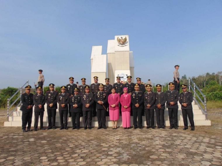 Kapolres Banyuasin Ziarah ke TMP Banyuasin Dalam Rangka Hut Bhayangkara ke 72