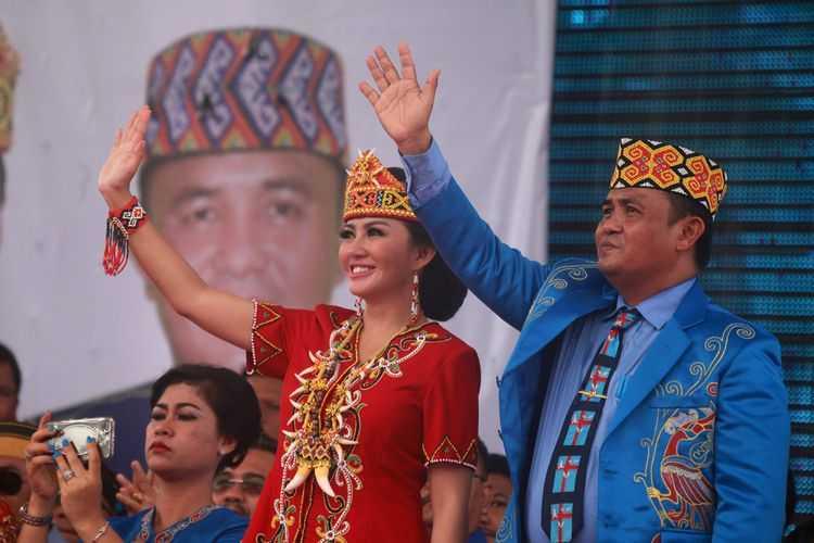 """Identitas """"Dayak"""" dalam Politik Pilkada Kalimantan Barat"""