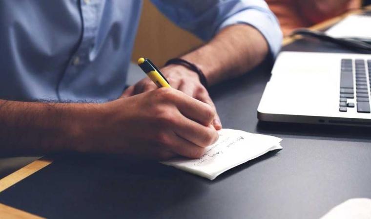 Menulis Itu Soal Rasa, Bukan Sekadar Tata Bahasa
