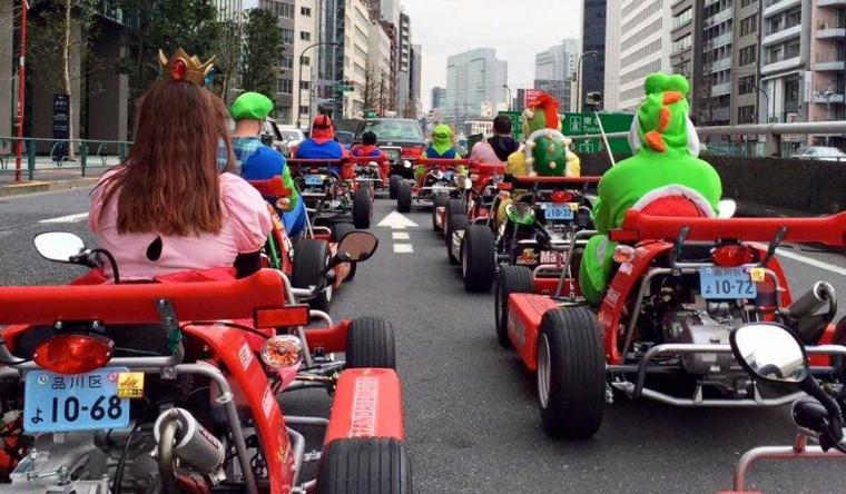 """MariCAR"", Naik Go-Kart dengan Mario Bross Berkeliling Kota"