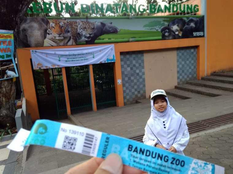 Catatan Wisata dan Silaturahim Keluarga di Kebun Binatang Bandung