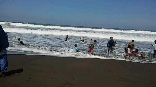 Slibon di Pantai Setrojenar
