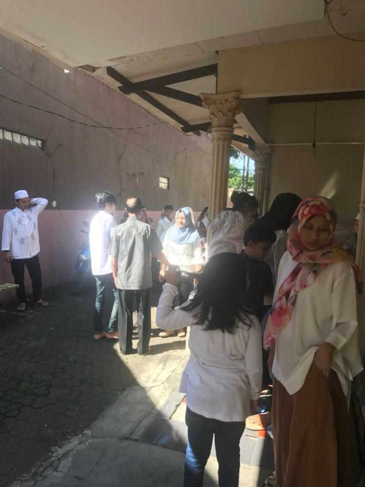Tradisi Berkumpul Bersama Keluarga Setelah Shalat Ied Fitri