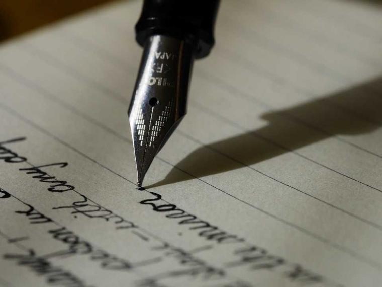 Manfaat Praktis dan Prinsip-prinsip Menulis