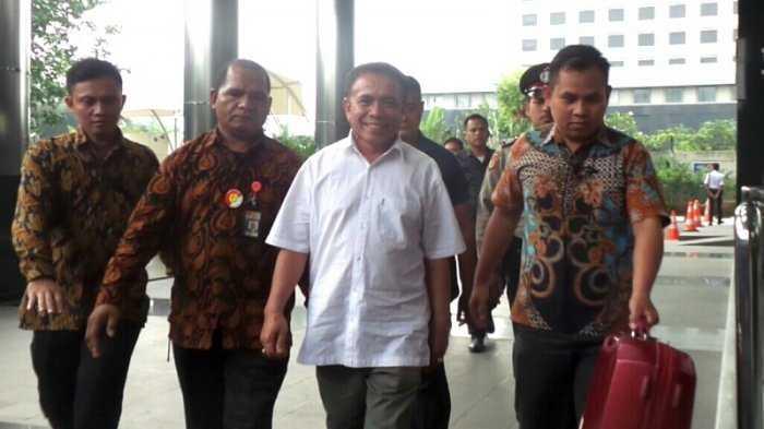 Kasus Korupsi Menjerat, Pembangunan Daerah Terhambat