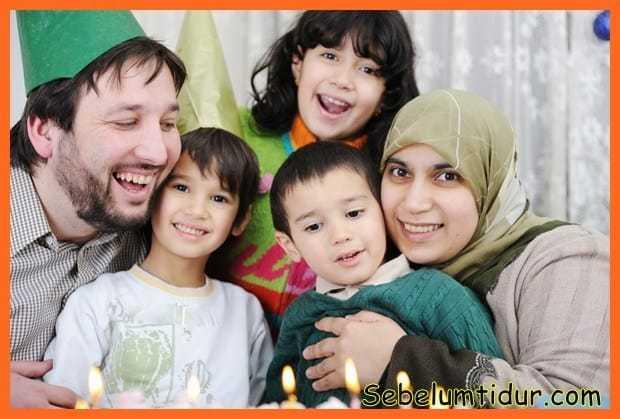 Edukasi Orang Tua Muslim di Zaman Modern