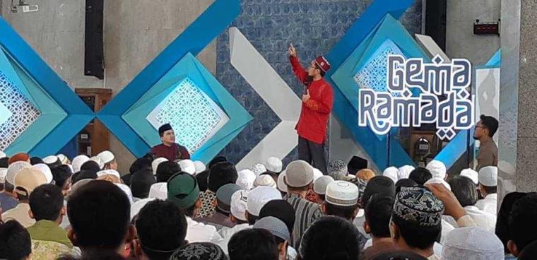 Gara-gara Iklan Rokok, Ustaz Adi Hidayat Coret SCTV
