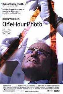 Resensi Film One Hour Photo (2002)
