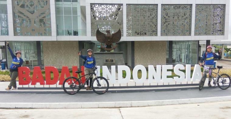 """""""Gowes Heart of Borneo"""" Bersepeda Jelajahi Tapal Batas Negara"""