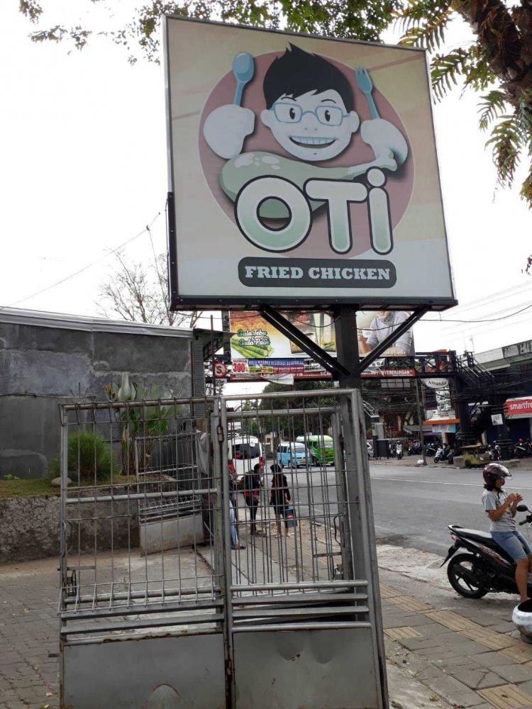"""""""OTI Fried Chicken"""", KFC-nya Salatiga"""