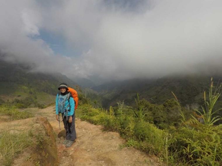 Perjalanan Menginjakkan Kaki di Puncak Tertinggi Sulawesi