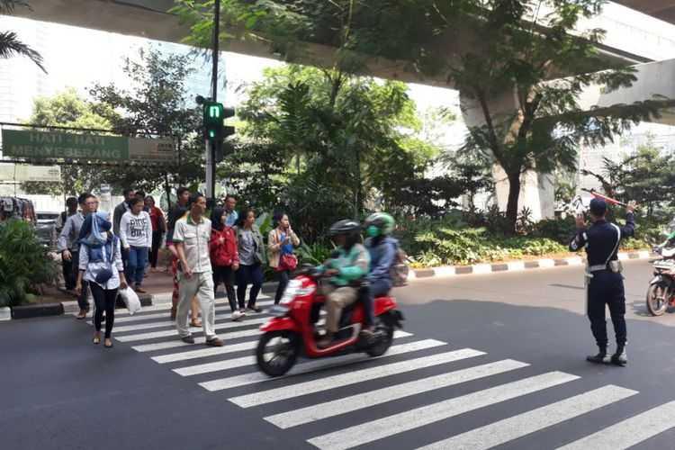 """Pelican Crossing"" dan Keberpihakan terhadap Pedestrian"