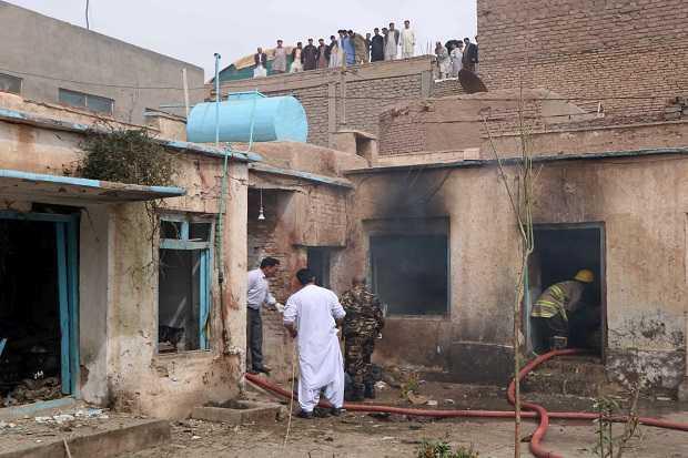 Korban Berjatuhan di Sebuah Masjid Syiah Afghanistan