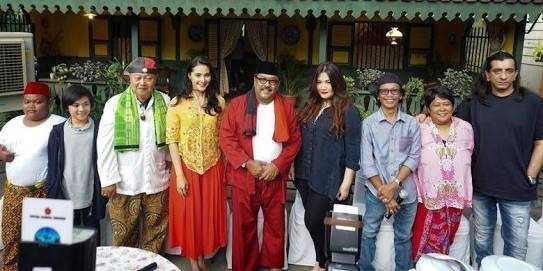 "Membayar Kerinduan dan Menyelami Kedekatan Jakarta - Amsterdam dari ""Si Doel the Movie"""