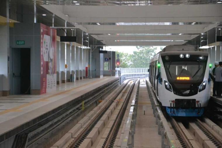 Menjajal LRT Palembang dengan Brizzi Card