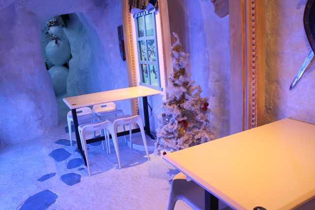 Ice Cafe, Tempat Minum yang Unik Seperti di Kutub Utara