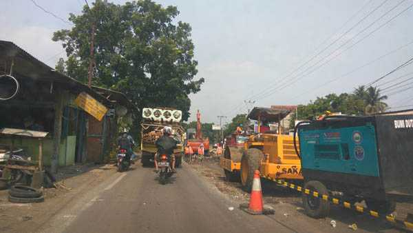 Ada Perbaikan Jalan, Pantura-Kendal Tadi Malam Macet Puluhan Kilometer