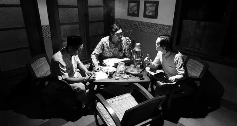 Merayakan Ulang Tahun bersama Tigapagi dalam Roekmana's Repertoire