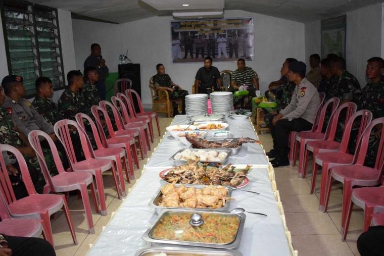 Memupuk Sinergitas TNI dan Polri dengan Makan Patita