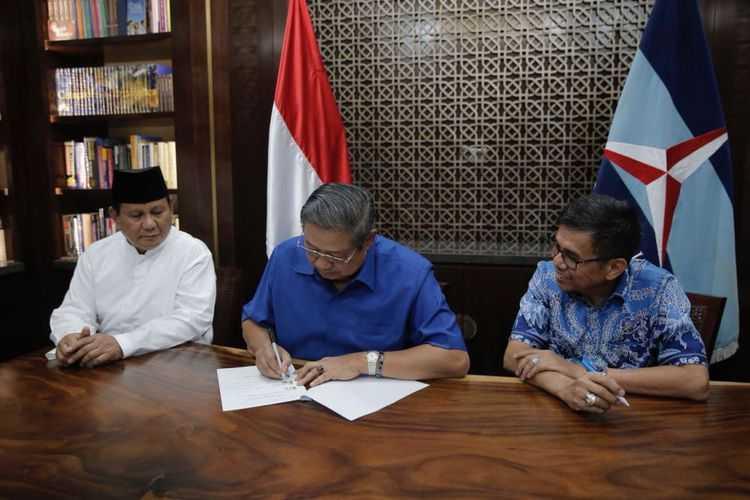 Demi AHY, SBY Akhirnya Kibarkan Bendera Putih