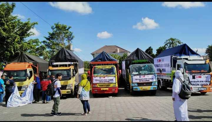 Keberangktan Kapal Kemanusiaan untuk Lombok dari Yogyakarta
