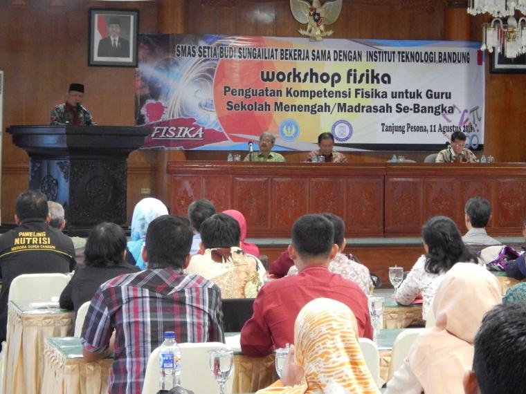 Guru, Dosen, Pelajar, Ikuti Workshop Fisika ITB