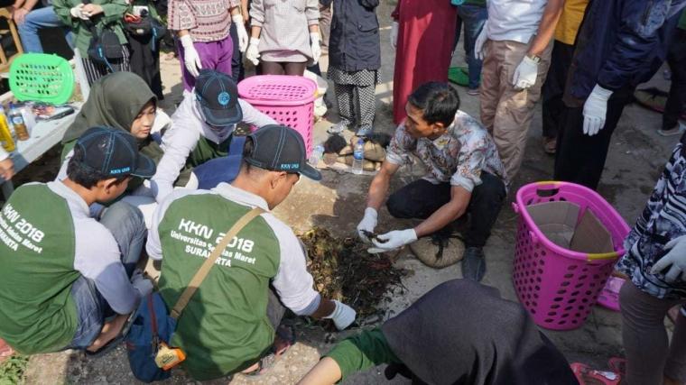 20 Mahasiswa UNS Gelar Sosialisasi dan Workshop Pengolahan Sampah Organik