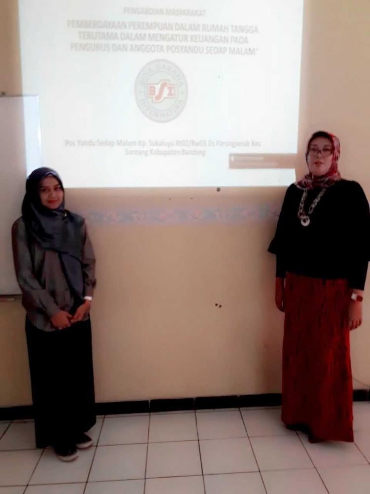 Peran Wanita dalam Keuangan Rumah Tangga