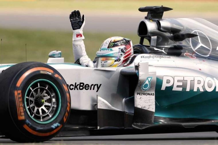 Hamilton Taklukkan Ferrari di Monza