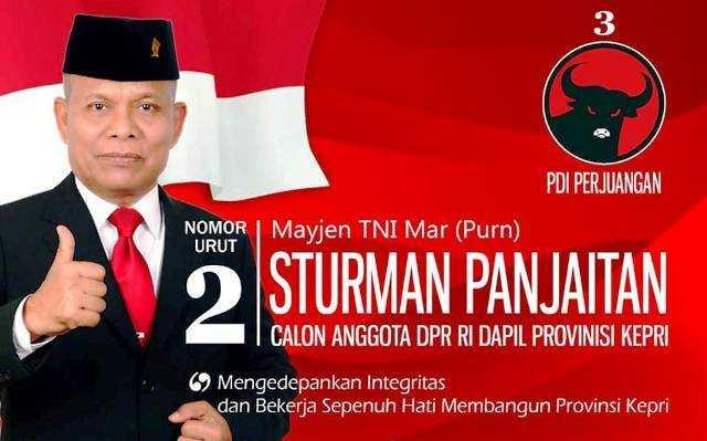 Sturman Panjaitan, Jenderal Marinir Menuju Banteng Senayan