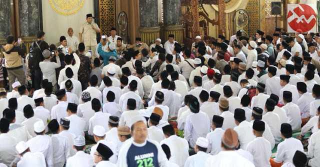 Prabowo Silahturahmi Bersama Ulama dan Masyarakat Madura