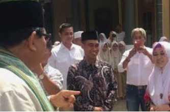 Prabowo Subianto dan Sosok Santriawati Asal Banyuwangi