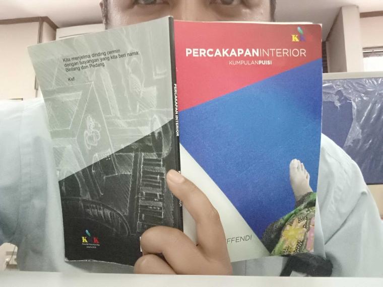 Catatan Pembacaan Kumpulan Puisi Percakapan Interior, Kurnia Effendi