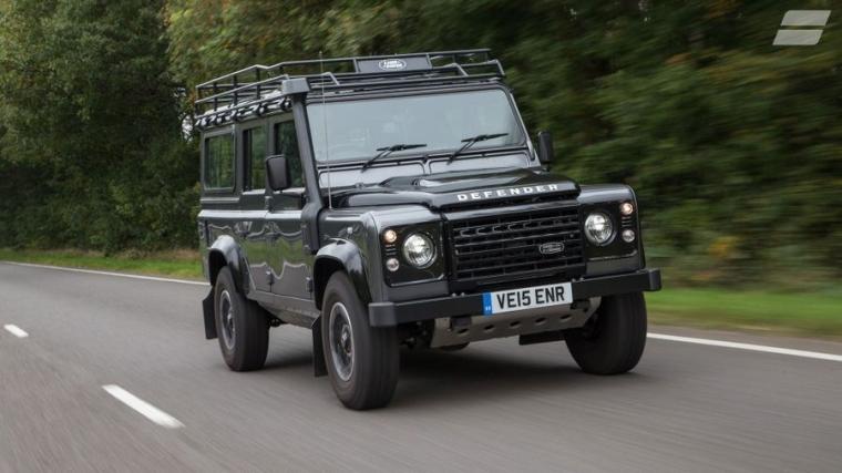 """""""Land Rover Defender"""", Mahalnya Sebuah Cerita"""