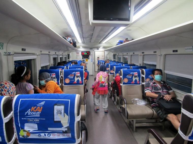 Antara Kereta Api Ekonomi Premium dan Kereta Api Bisnis, Pilih Mana?